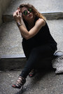 Blue-aldo-sunglasses-black-converse-pants-black-schutz-heels