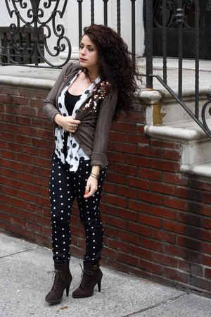 army green lace up Forever 21 boots - black polka dot Worthington pants