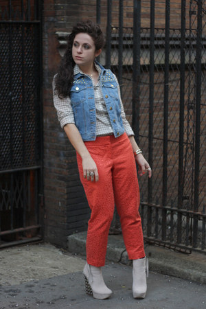 off white Boutique Nine boots - salmon ann taylor pants - navy f21 vest