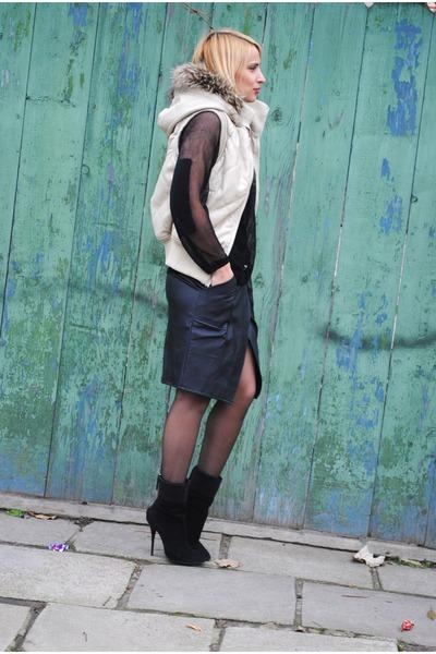 karl skirt