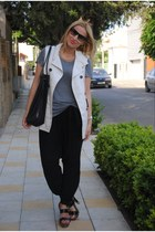 Gucci bag - Ray Ban sunglasses - YSL sandals - H&M t-shirt - Zara pants