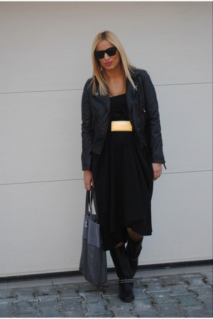 H&M skirt - Zara boots - Zara jacket - H&M bag - Zara belt