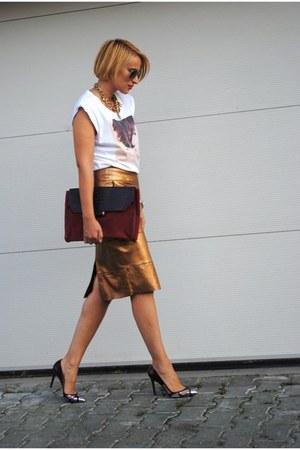 River Island skirt - D&G t-shirt - Christian Louboutin heels