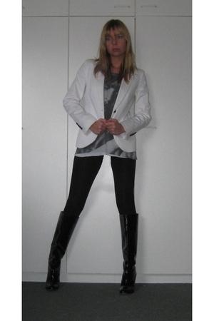 black Zara boots - black Zara leggings - white Zara blazer - gray Zara t-shirt