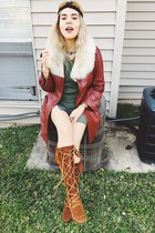 brick red Vintage leather coat - burnt orange Minnetonka boots