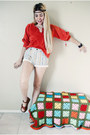 Eggshell-100-algodon-guess-shorts-red-blouse-brick-red-wedges