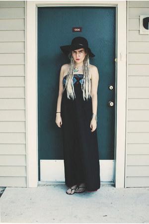 black dress - black Old Navy hat - black Express sandals