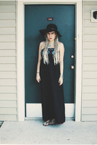 black dress - black Old Navy hat - black Express sandals
