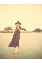 black hat - army green thrifted vintage dress - black Express sandals
