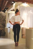 Zara top - Zara jeans - Michael Kors bag - Pilar Burgos heels