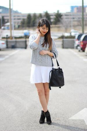 white H&M skirt - heather gray H&M sweater - black bucket Forever 21 bag
