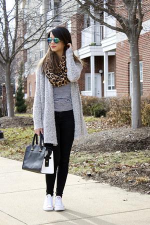 skinny Charlotte Russe jeans - leopard print H&M scarf - Aldo sunglasses