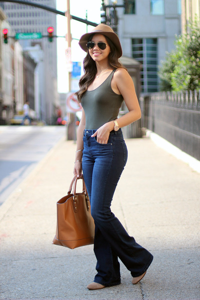 flared H&M jeans - Vince Camuto shoes - H&M hat - JustFab bag