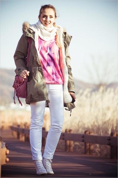 bubble gum balenciaga bag - white 7 for all mankind jeans