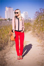 Gold-miss-nabi-bag-black-ray-ban-sunglasses-red-guess-heels