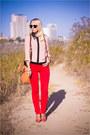 Gold-miss-nabi-bag-black-ray-ban-sunglasses-red-guess-heels