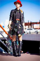red H&M hat - navy jovonna london dress - black Forever 21 bag