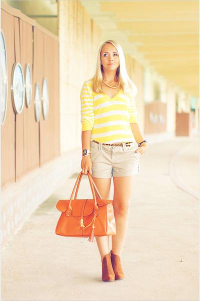 romwe bag - Forever 21 sweater - Forever21 shorts - Forever 21 belt