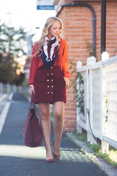 Ruby-red-larmoni-skirt