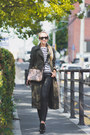 Olive-green-yoins-coat-white-old-navy-sweater-tan-kate-katy-bag