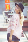 Black-woakao-boots-light-pink-woakao-sweater-light-pink-briannefaye-bag