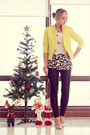 Yellow-vivilli-blazer-black-romwecom-pants-white-forever-21-top