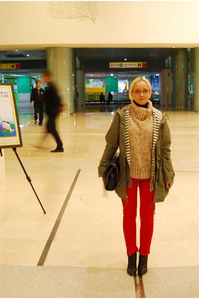 red Forever 21 jeans - olive green Zara jacket - black Forever 21 bag - lime gre