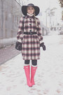 Hot-pink-hunter-boots-purple-stefanel-coat-black-oasap-hat-black-oasap-bag