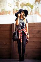 black WOAKAO boots - black Chicwish bag
