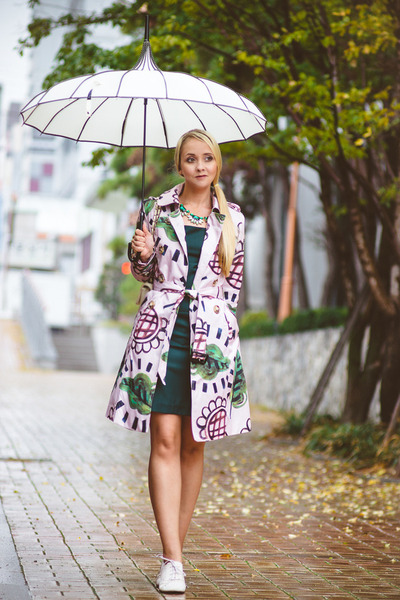 white umbrella Bella Vintage hat - green Forever 21 dress