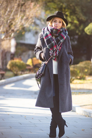 heather gray Kate-Katy coat - black lulus boots - black Choies hat