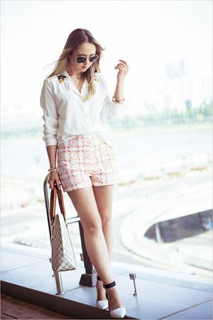 Chicwish shorts - Ecugo blouse - sammydress watch