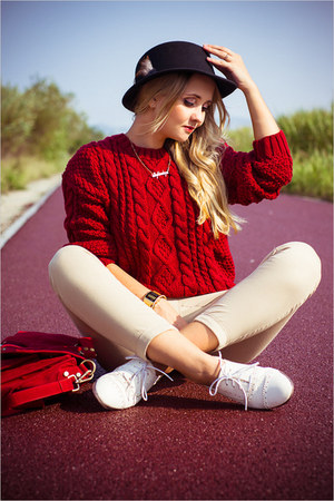maroon Chicwish sweater - maroon Udobuy bag - gold oNecklace necklace