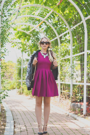 white Chicwish necklace - maroon Chicwish dress - black Chicwish jacket