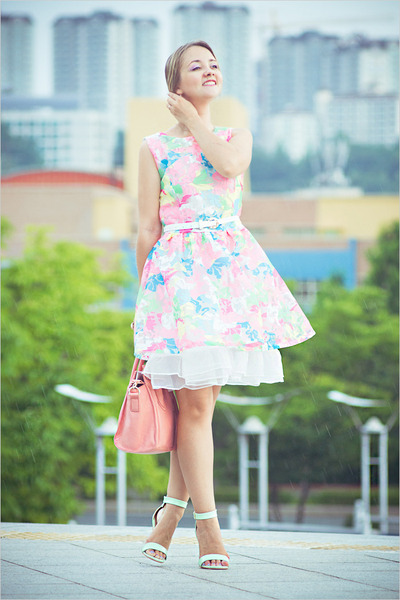 white Imomoi dress - bubble gum OASAP bag - aquamarine Udobuy sandals