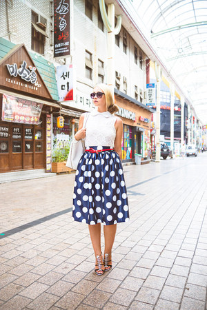 white kate spade bag - black zeroUV sunglasses - navy Young Hungry Free skirt