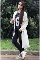 eggshell cotton H&M coat - navy high waisted Zara jeans