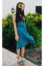 turquoise blue yubsshop dress - light yellow yubsshop hair accessory