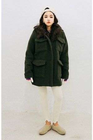 dark green joker fur coat yubsshop coat - off white yubsshop hat
