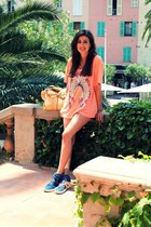 carrot orange Wildfox t-shirt - blue YSL shoes