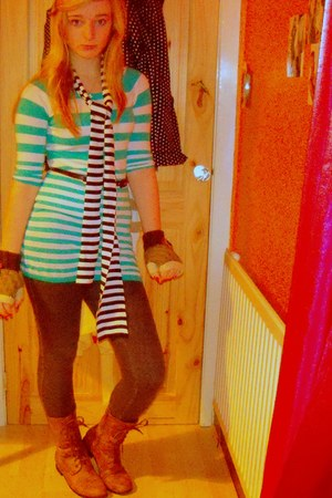 random brand scarf - H&M dress - Primark leggings - light brown Accessorize glov