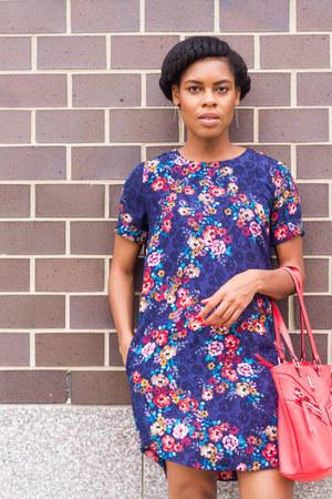 ANA shoes - shift dress Joe Fresh dress - tote nicole by Nicole Miller purse