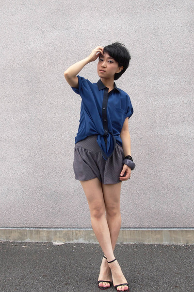 navy blouse - heather gray Topshop shorts - black diana heels