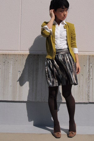 army green H&M skirt - camel vintage shoes - white shirt - brown tights