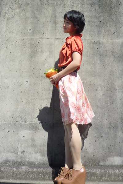 orange bow from japan blouse - brown belt - ivory paisley skirt - lace up wedges