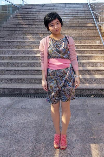 navy paisley Tomorrowland dress - pink Jill Stuart scarf - light pink cardigan