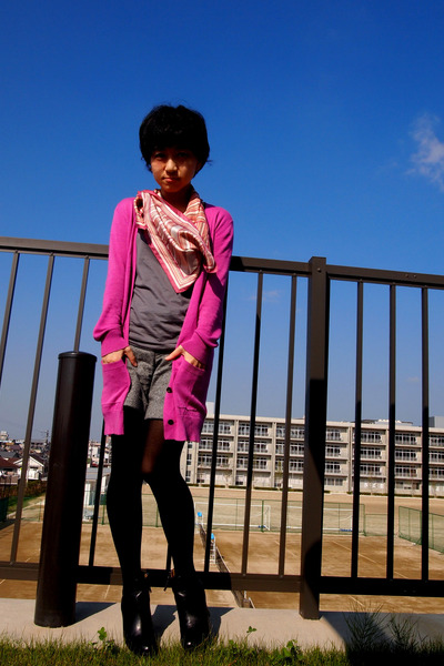 pink DKNY scarf - black Nine West boots - charcoal gray from japan shorts