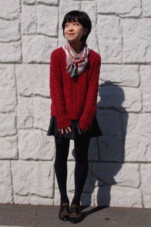 light brown cavacava shoes - red mimi&amp;roger sweater - black Uniqlo tights