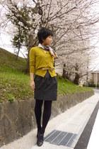 black polka dots Zara skirt - black Steve Madden shoes - camel scarf
