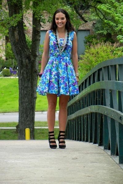 blue vintage dress - black LAMB heels